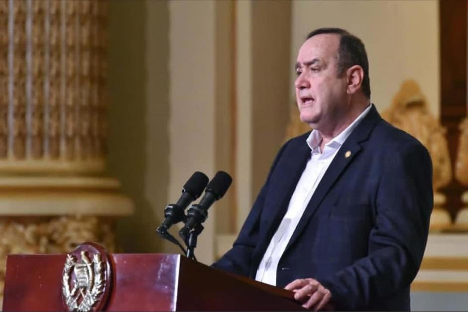 El presidente Alejandro Giammattei adelantó parte de las medidas que podrían establecerse por el alza en los casos de Covid-19. (Foto: Presidencia)