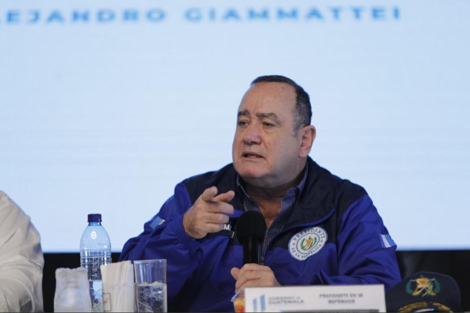 El presidente Alejandro Giammattei viajó a Concepción Chiquirichapa, Quetzaltenango, donde se reunió con gobernadores y alcaldes. (Foto: Presidencia)