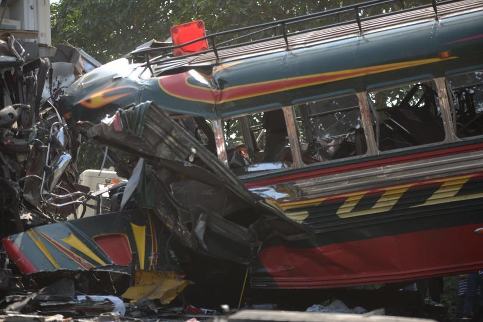 """Un bus de la línea Sultana iba """"peleando pasaje"""" y provocó un fatal accidente. (Foto: Wilder López/Soy502)"""