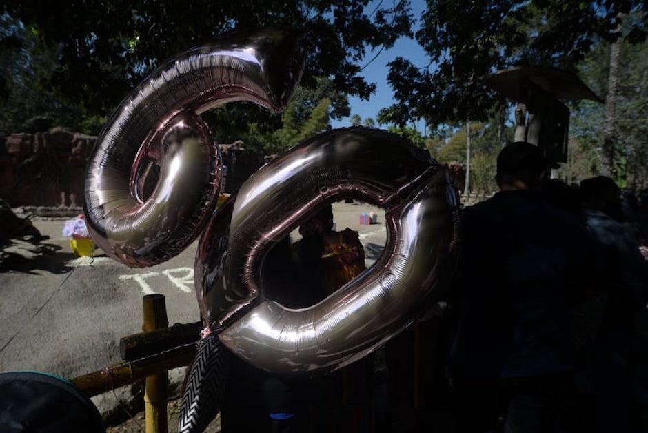 El número 60 adornaba el recinto.  (Foto: Wilder López/Soy502)