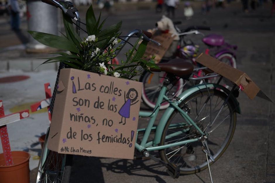 Las bicicletas llevaban un mensaje. (Foto: Wilder López/Soy502)