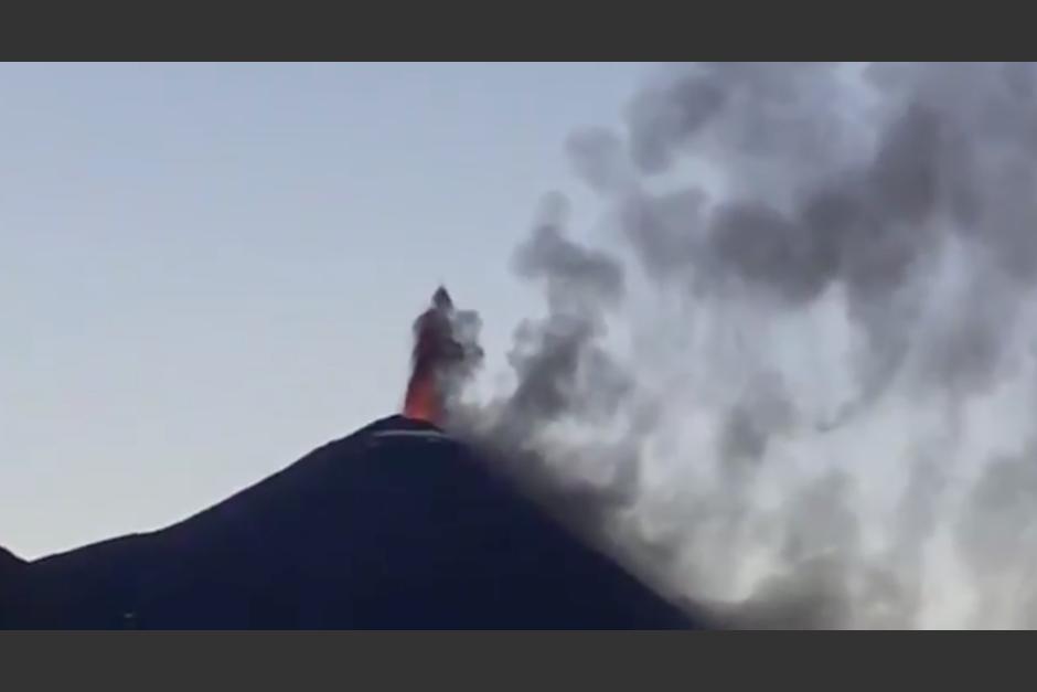 El volcán se encuentra en una fase eruptiva fuerte. (Foto: Conred)
