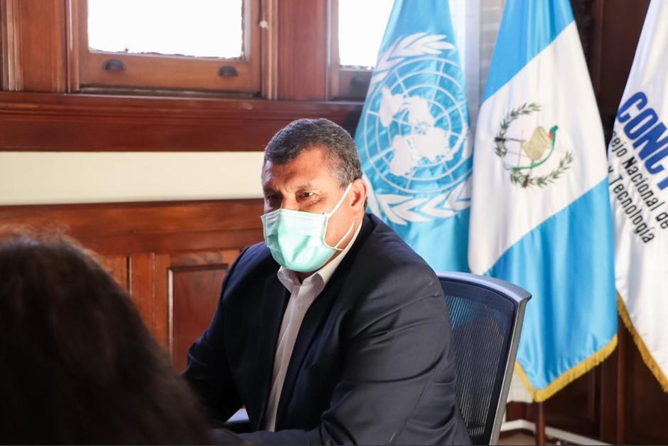 El vicepresidente habló sobre las pruebas falsas durante una visita a Huehuetenango. (Foto: Vicepresidencia)