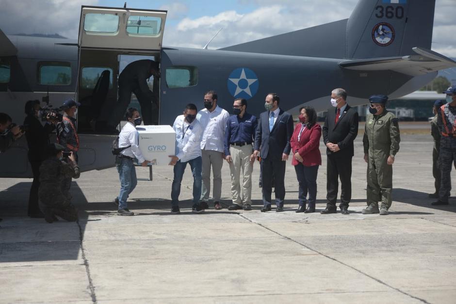 La aeronave que transporta las vacunas donadas por Israel ya arribó a Guatemala. (Foto: Wilder López/Soy502)