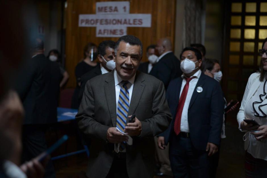 El exrector de la Universidad de San Carlos, Estuardo Gálvez, en su última aparición ante medios de comunicación cuando se eligió al presidente del CANG el 16 de febrero de 2021. (Foto: Wilder López/Soy502)