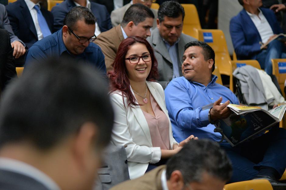 Dell Acqua junto a su esposo Saúl Zenteno, aspirante a magistrado suplente por la CC. (Foto: Archivo/Wilder López/Soy502)