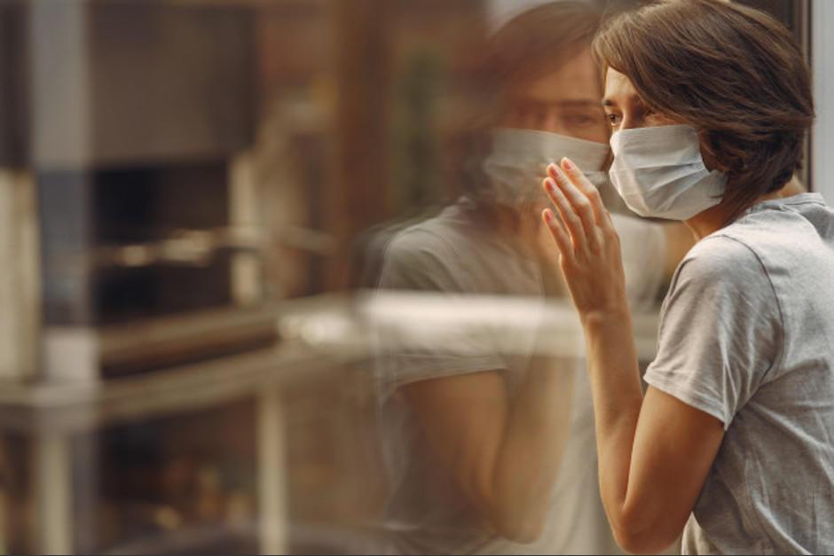 Algunos síntomas de Covid-19 pueden persistir por varios meses. (Foto: Freepik)
