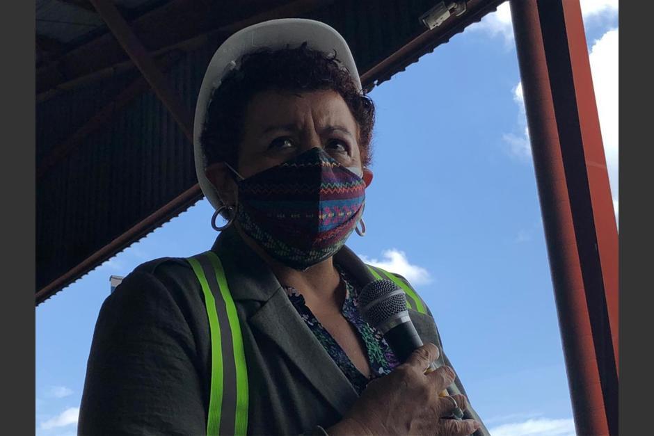 La ministra de Salud, Amelia Flores, acudió este sábado 3 de julio a Combex, para recibir 200 mil dosis de vacunas Sputnik V. (Foto: Cortesía)