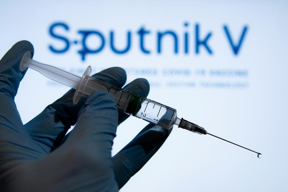 Problemas de desabastecimiento y una espera mayor para la segunda dosis, fueron las excusas del Magisterio para no aceptar la Sputnik V. (Foto: Shutterstock)