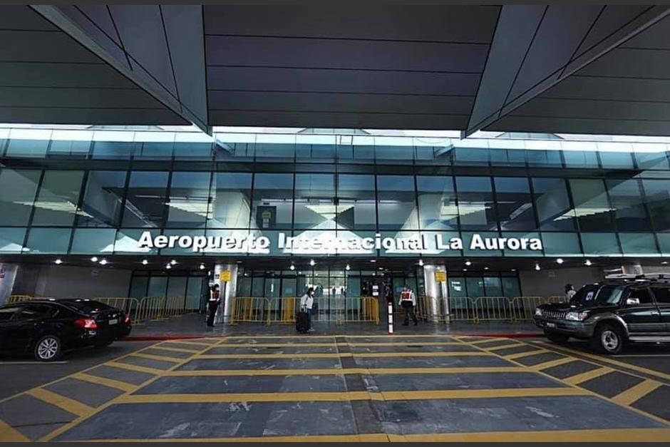 El aeropuerto Internacional La aurora de nuevo presenta goteras y filtraciones de agua. (Foto: Archivo/Soy502)