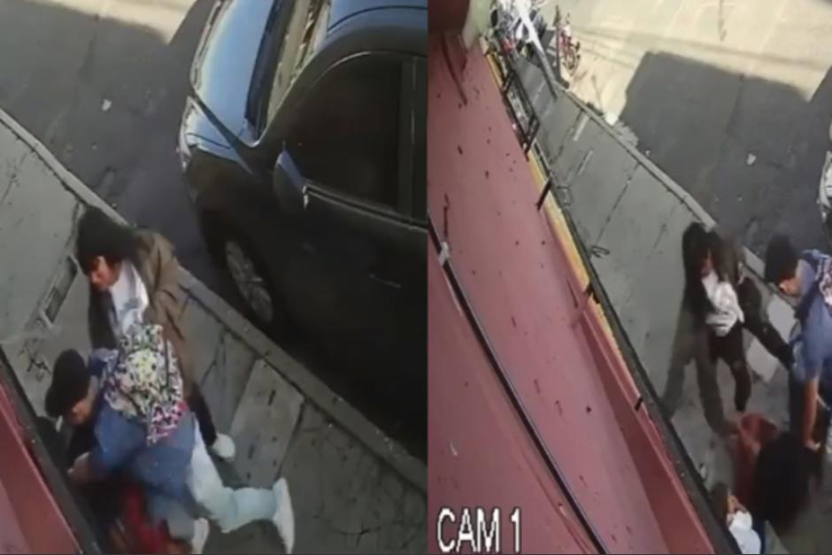 Momento en que los delincuentes agreden salvajemente a una mujer frente a su hijo pequeño. (Foto: captura de pantalla