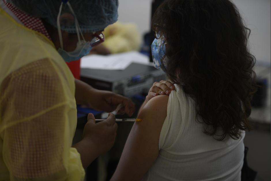 El centro de vacunación del IGSS en la Usac es uno de los más concurridos a nivel nacional. (Foto: Wilder López/Soy502)