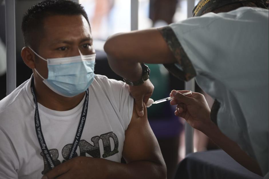Alma es una plataforma virtual guatemalteca que entrega información sobre el Covid-19. Ahora, difunde en tiempo real información de vacunas por centro de vacunación. (Foto: Wilder López/Soy502)