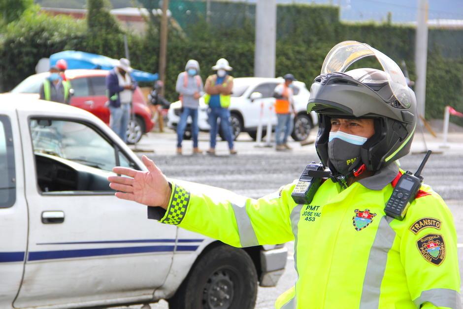 El incidente se generó entre una persona que no fue multada y varios agentes que reaccionaron ante la agresión. (Foto: Fredy Hernández/Soy502)