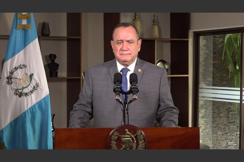 El presidente Alejandro Giammattei se quejó de la actividad en las redes sociales del fiscal Juan Francisco Sandoval. (Foto: Archivo/Soy502)