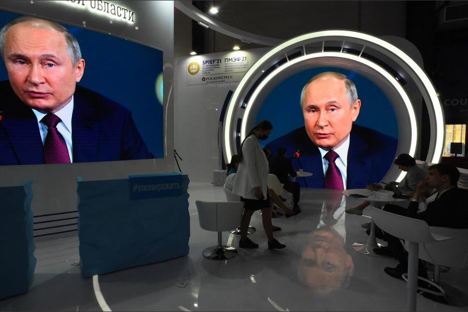 El presidente de Rusia, Vladimir Putin, invitó a ir a su país a vacunarse contra el Covid-19. (Foto: AFP)