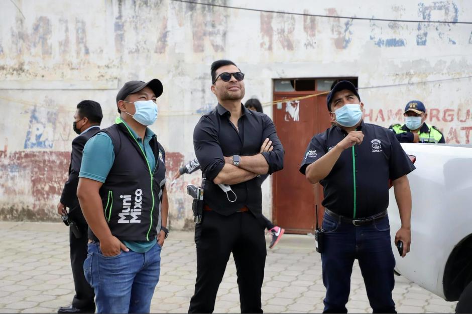 El alcalde de Mixco, Neto Bran, culpó a los pilotos de saturar las unidades. (Foto: FB/Neto Bran)