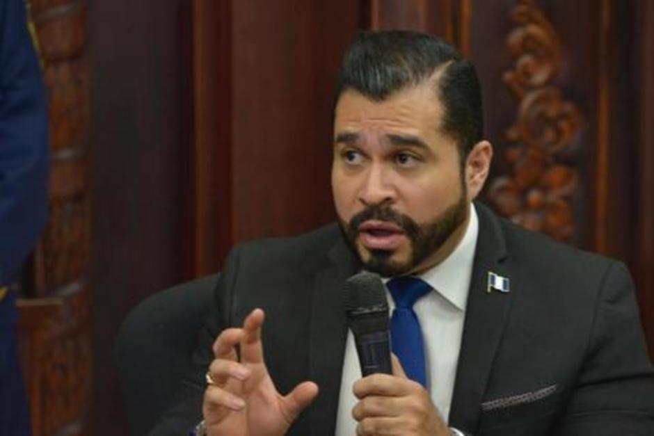 El alcalde de Mixco afirma que cubrirá los gastos al conductor afectado. (Foto: archivo/Soy502)