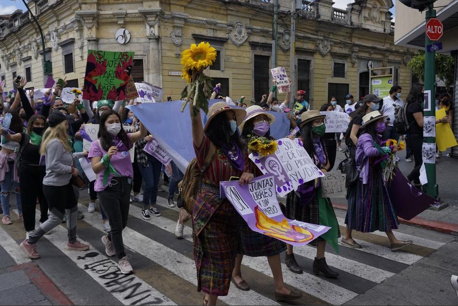 La protesta se realizó en conmemoración del Día Internacional de la Mujer. (Foto: Johan Ordóñez/AFP)