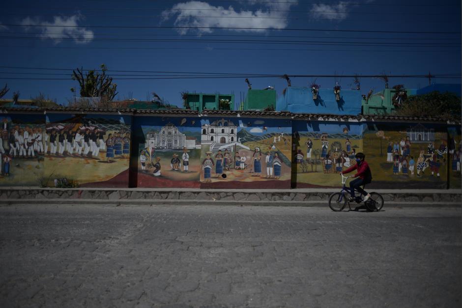 San Juan Comalapa se caracteriza por sus artistas y sus pinturas. (Foto: Wilder López/Soy502)