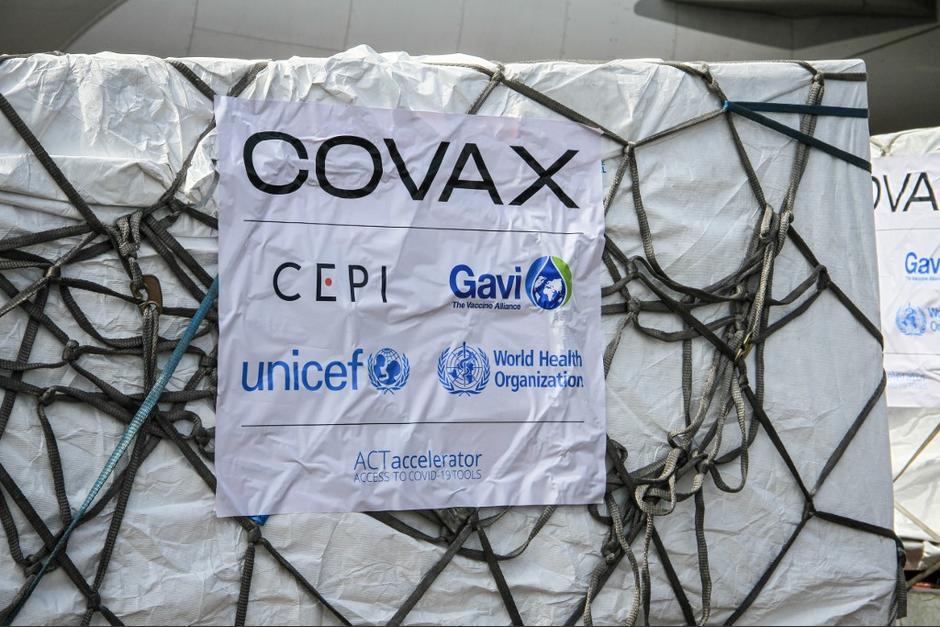 El Ejecutivo anunció la llegada de 81,600 vacunas contra el Covid-19, del m ecanismo Covax. (Foto: AFP)