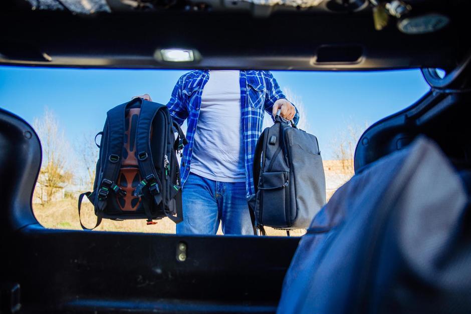 Yimi Morales, un piloto de servicio privado, fue capturado acusado de robar el equipaje de un turista en octubre de 2020. (Foto: Shutterstock)