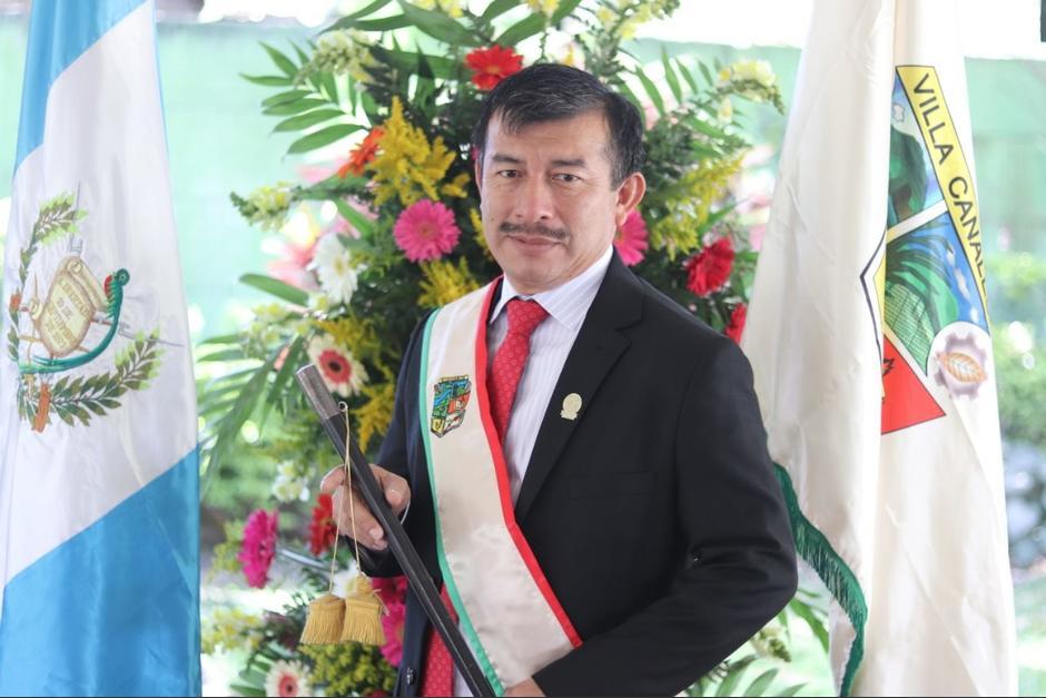 Alcalde de Villa Canales, Julio Marroquín, y otros empleados municipales reciben primera dosis contra el Covid-19. (Foto: Facebook/Julio Marroquín)