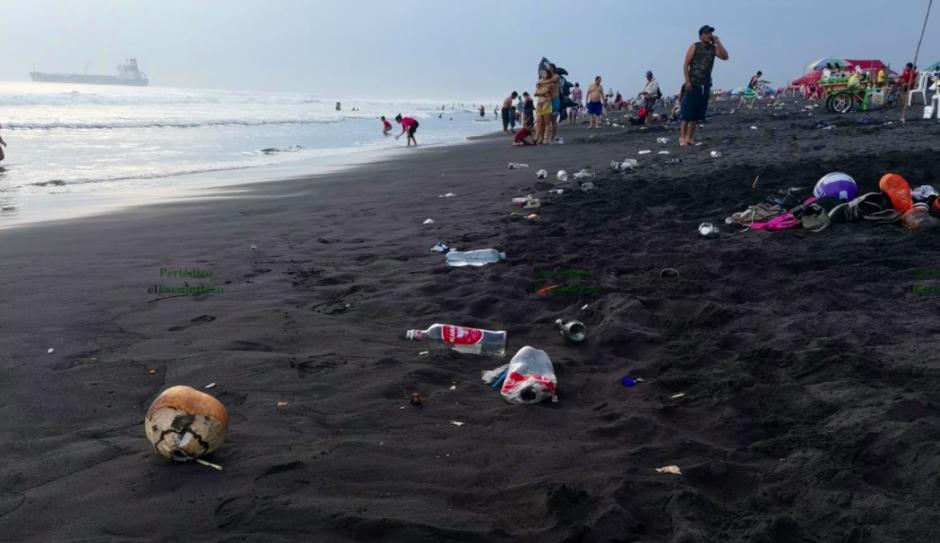 Así amanecieron las playas del Pacífico en Guatemala este lunes 22 de marzo. (Foto: El Escuintleco)
