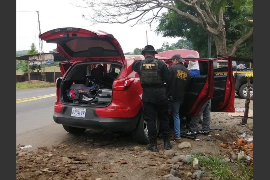 Las autoridades ubicaron un segundo carro con más dinero. (Foto: PNC)
