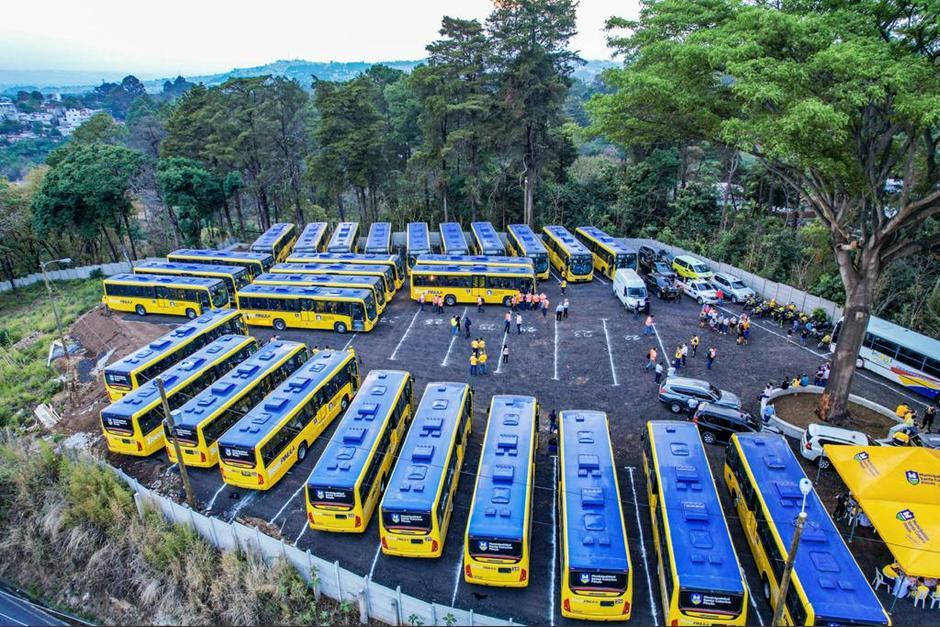 Los autobuses se movilizaron de Santo Tomás de Castilla hacia Santa Catarina Pinula este fin de semana. (Foto: Muni Santa Catarina Pinula)