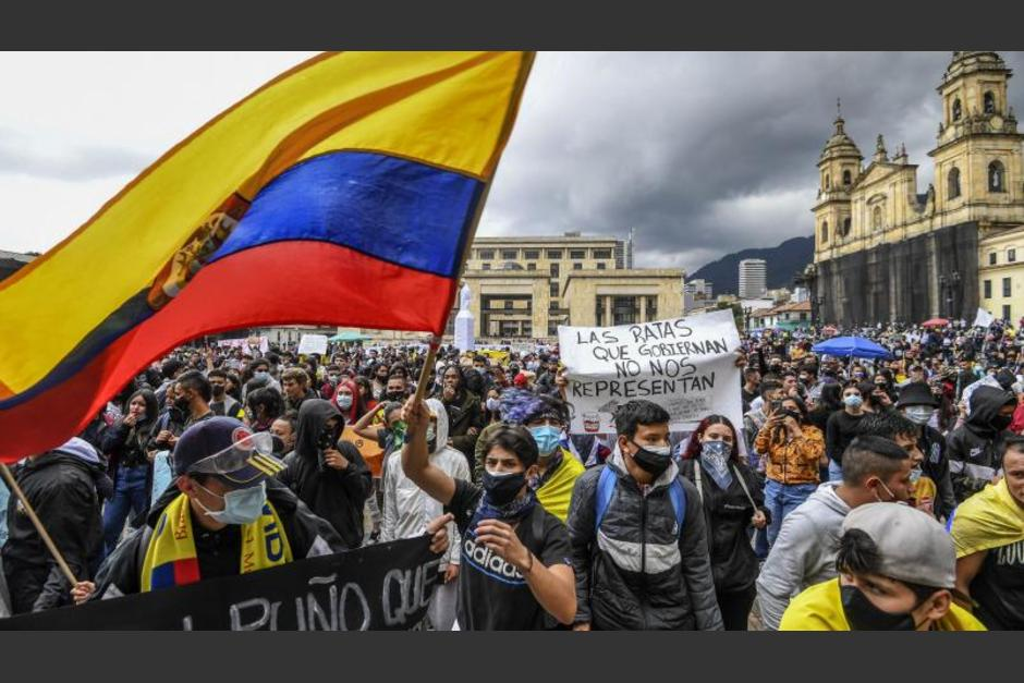 Miles de colombianos regresaron a las calles y muestran resistencia ante el gobierno de Duque. (Foto: AFP)