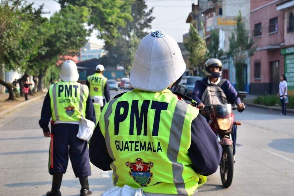 Agentes de la PMT son señalados de accionar de manera agresiva contra trabajadores en la zona 11. (Foto: Archivo/Soy502)
