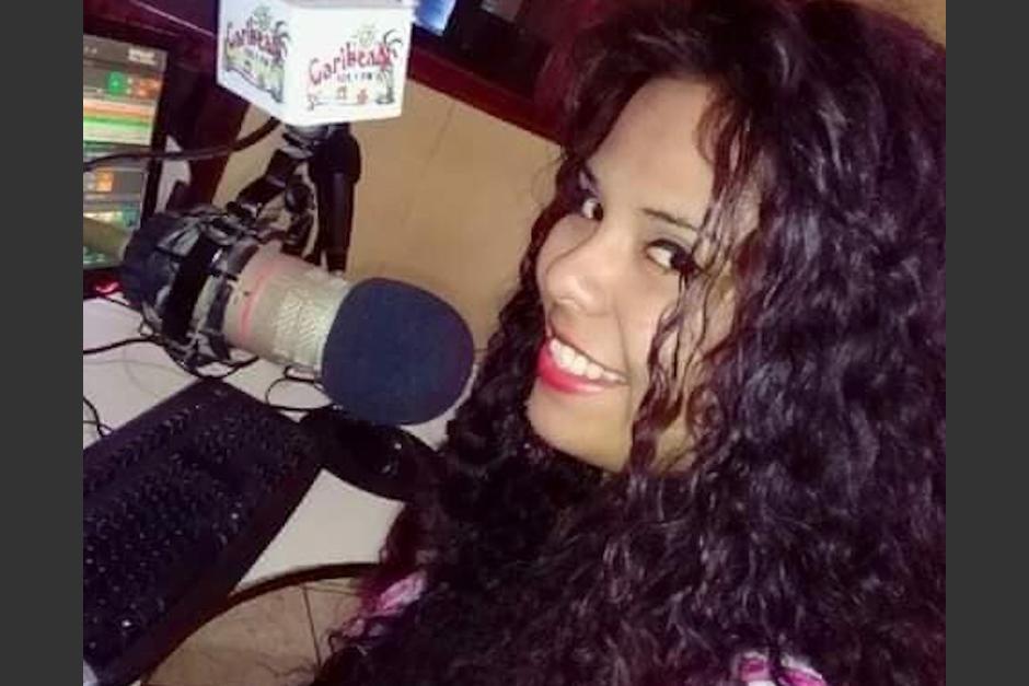 La joven locutora Yasmín Villagrán, fue víctima de un ataque armado cuando salía de la radio donde labora. (Foto: Facebook/YasmínV)
