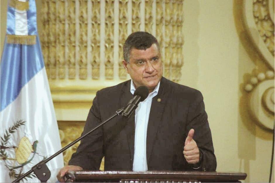El vicepresidente Guillermo Castillo se pronunció en Twitter por la localización de pruebas vencidas de Covid-19. (Foto: Archivo/Soy502)
