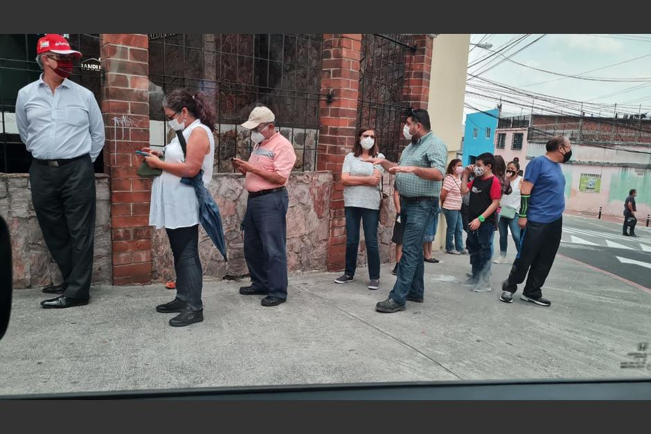 Este viernes 28 de mayo los centros de vacunación estuvieron saturados debido a una falla en el sistema. (Foto: Cortesía)