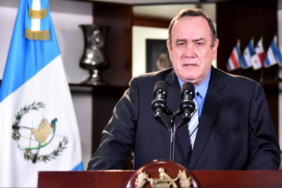 El presidente respondió por la foto del ministro Raúl Romero. (Foto: archivo/Soy502)