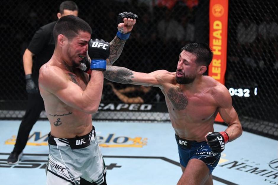 El peleador guatemalteco, Chris Gutiérrez hizo una gran pelea y logró convencer a los jueces para que lo den por vencedor en la pelea frente al brasileño Felipe Colares. (Foto: UFC Oficial)