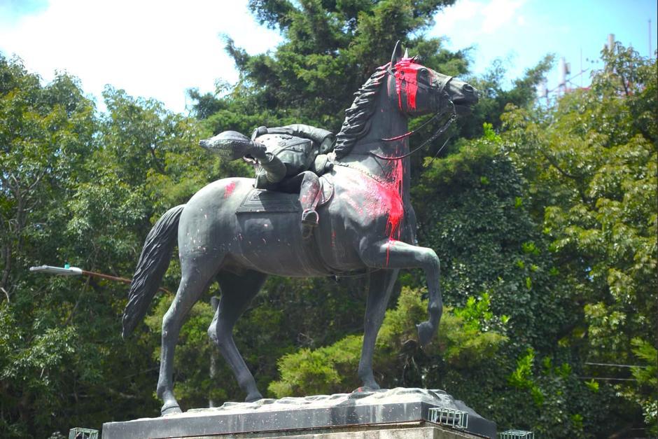 Las autoridades ya interpusieron las denuncias contra las personas responsables del daño al monumento histórico. (Foto: Wilder López/Soy502)
