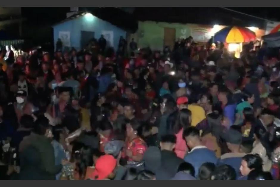Realizan concierto masivo en Quiché, a pesar del Estado de Calamidad y el toque de queda. (Foto: Captura de video)