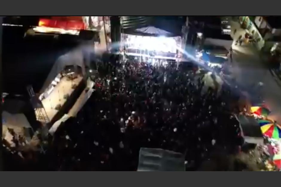 Dos celebraciones se realizaron en Quiché la noche del sábado 4 de septiembre durante las restricciones de movilidad. (Foto: captura de pantalla)