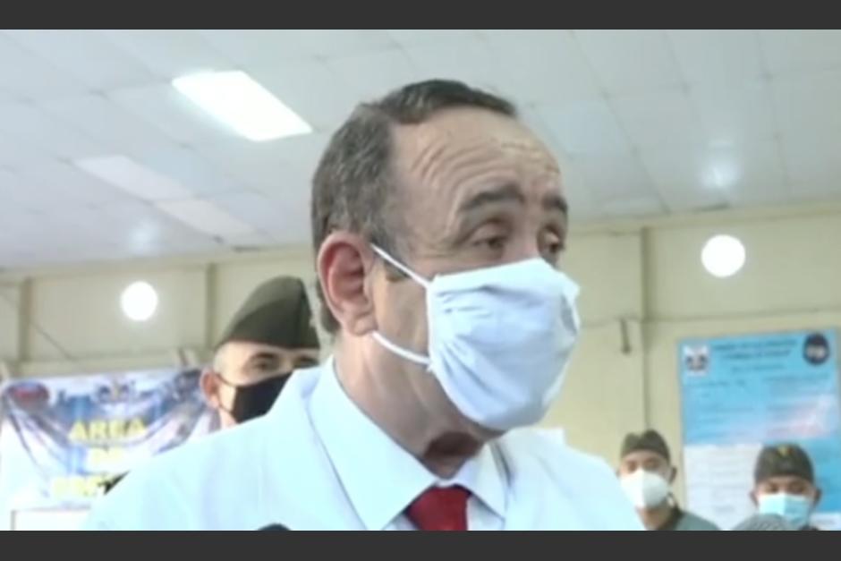 El presidente Alejandro Giammattei indicó que tiene tranquila su mente e investiguen lo que quieran. (Foto: Captura de video)