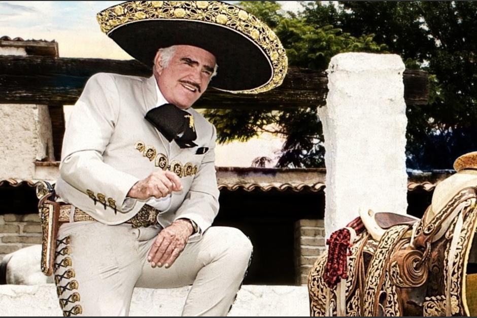 Vicente Fernández sigue conectado a sondas y su salud parece no mejorar. (Foto: Los Ángeles Times)