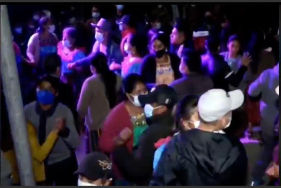 No hay suficiente espacio ni insumos para atender a quienes se contagiaron de covid por asistir a las fiestas en Quiché. (Foto: archivo/Soy502)