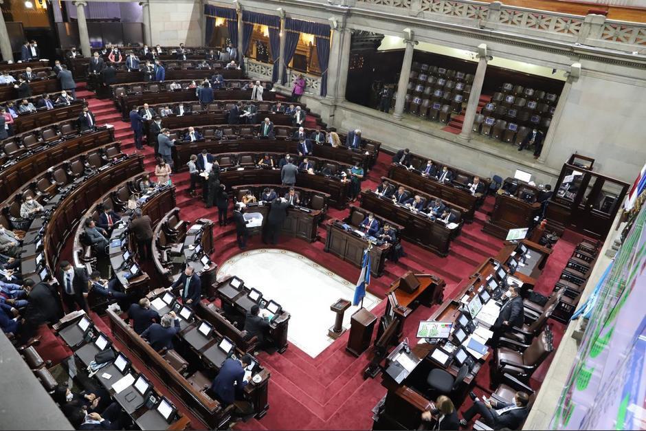 Allan Rodríguez, Presidente del Congreso al momento de anunciar que la iniciativa está lista para ser presentada al pleno. (Foto: Captura de pantalla)
