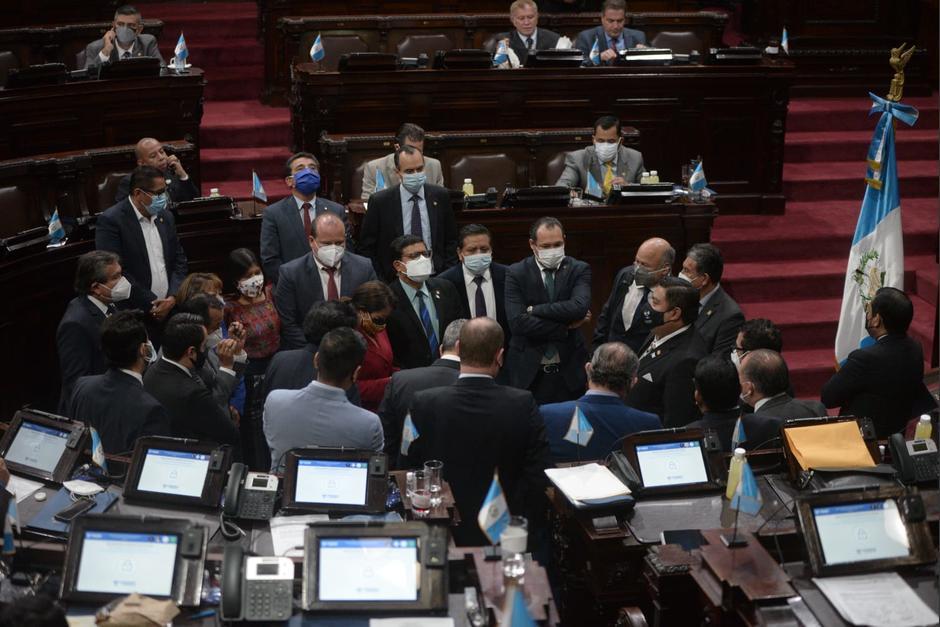 El Congreso pretende aprobar una ley de emergencia que autoriza compras para atender la pandemia. (Foto: Wilder López/Soy502)