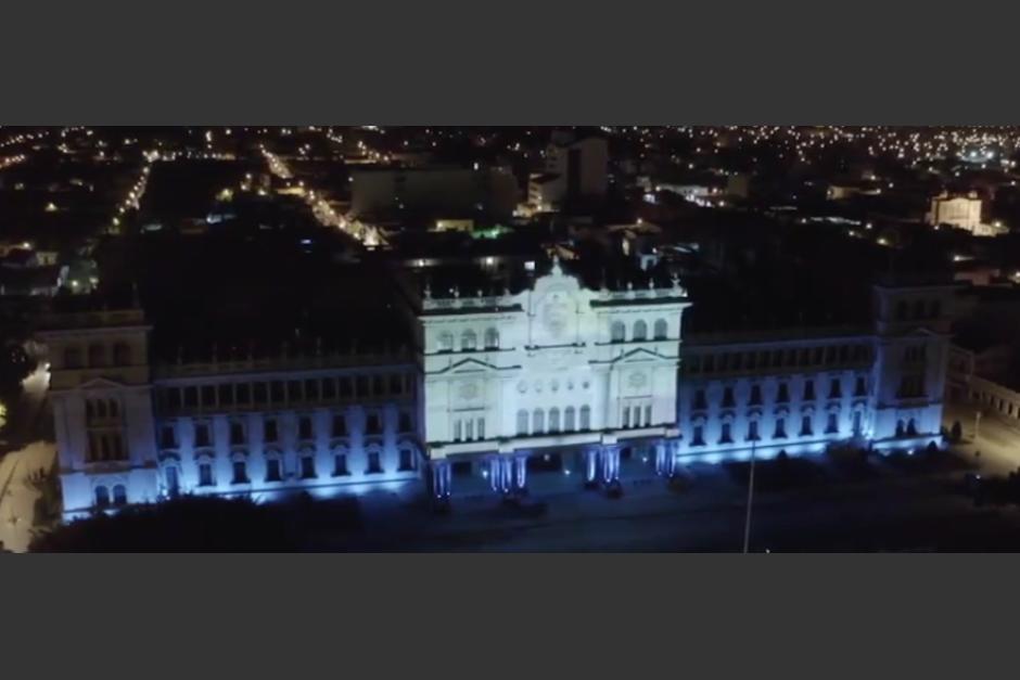 Al menos diez artistas participaron en la creación de un mapping que fue proyectado en el Palacio Nacional de la Cultura. (Foto: captura de video)