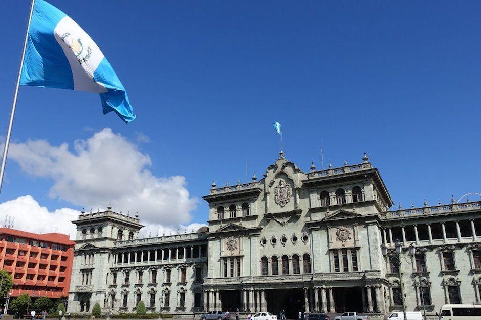 La noche del lunes 13 de septiembre circuló una fotografía del Palacio Nacional de la Cultura. (Foto: Archivo/Soy502)