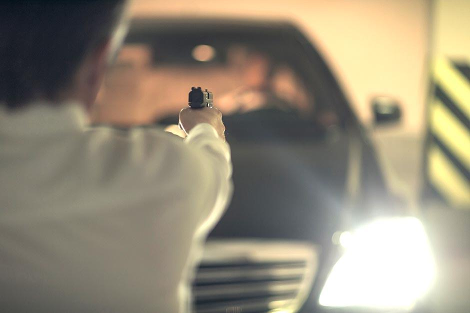 Un carro que trasladaba testigos del Ministerio Público quedó en medio de una balacera en la zona 1. (Foto ilustrativa: Shutterstock)