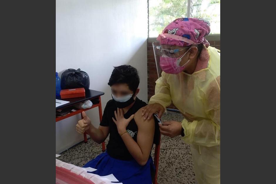 Inicia la vacunación de menores de entre 12 y 18 años con enfermedades crónicas. (Foto: Facebook/Conseguí tu vacuna)