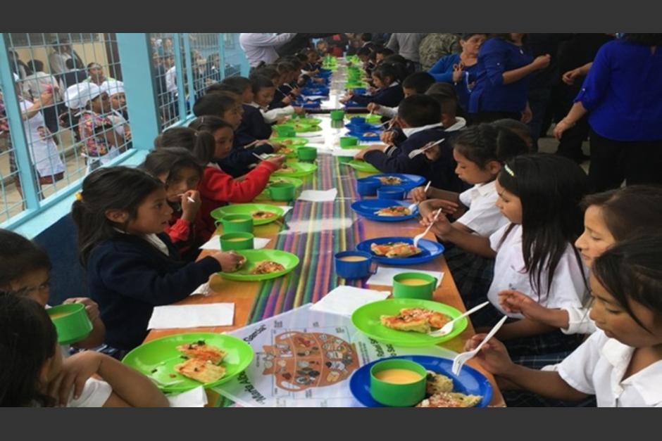 Los niños y adolescentes recibirán recursos para continuar con la alimentación escolar en los centros educativos. (Foto: Archivo/Soy502)